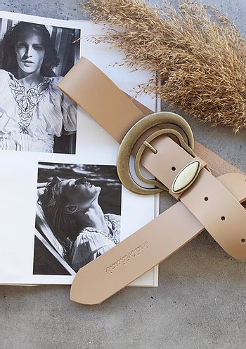 Individual art leather Good vibrations leather belt