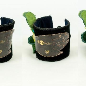 Nefeli Karyofilli Black hand bracelet