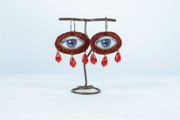 Nefeli karyofilli Red eyes earrings