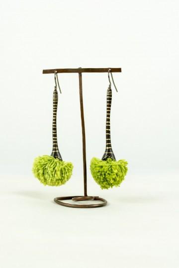 Nefeli Karyofilli Fluffy drops earrings (grassy green)